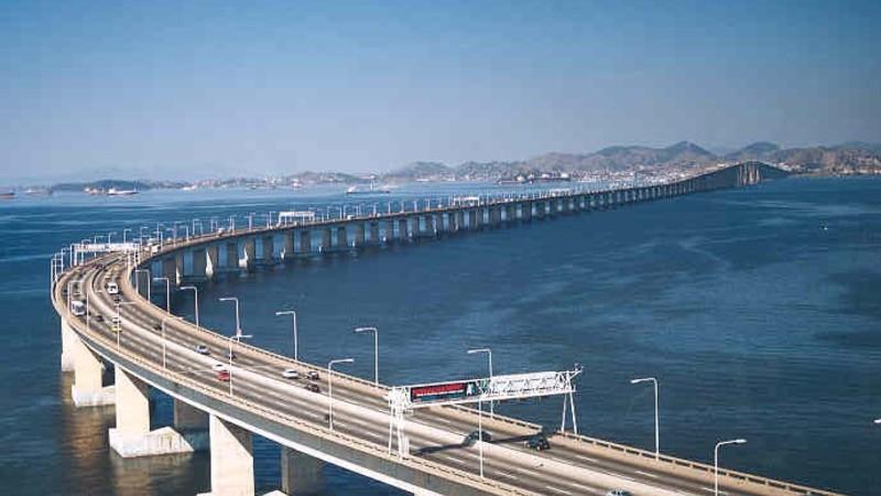 Pela mudança do nome oficial da Ponte Rio-Niterói
