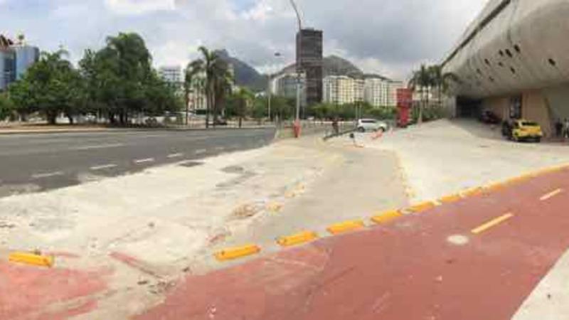 Ciclovia de Botafogo: Tava ruim e agora piorou!
