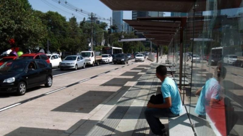 Prefeitura, queremos saber: que ônibus passa aqui?