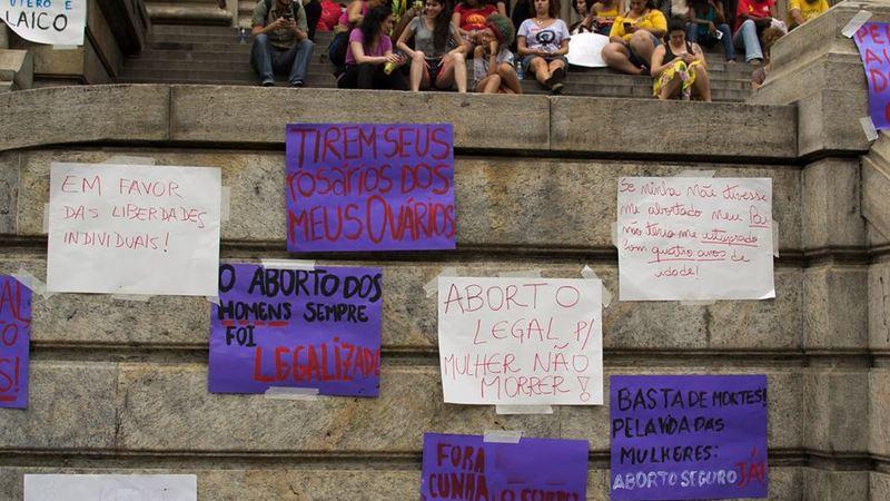 Deputados, não aceitamos mais criminalização das mulheres!
